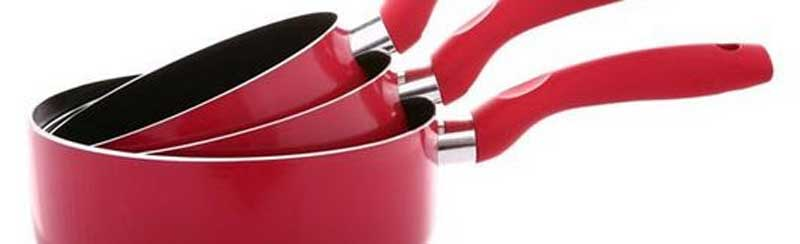quatre actions 5 casseroles debout