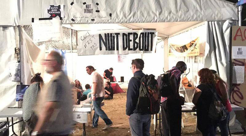 Le stand de Nuit Debout à la Fête de l'Humanité.