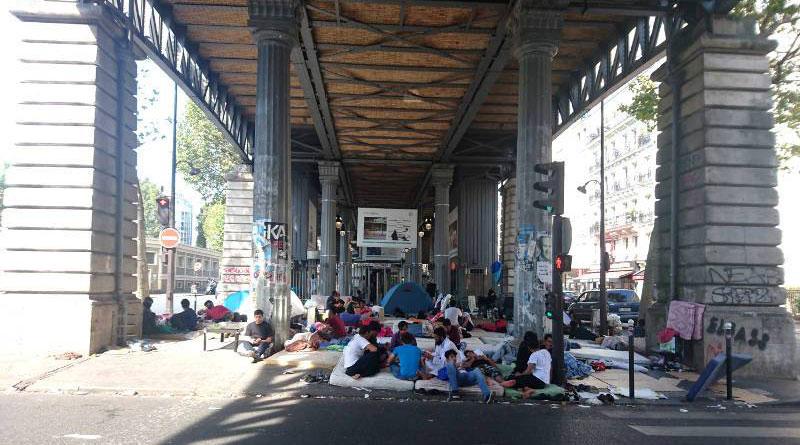 Migrants, métro Jaurès, Paris