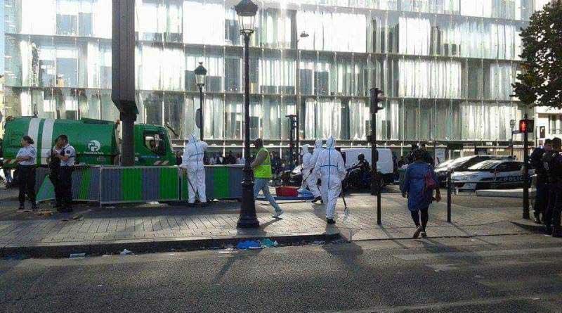 Le nettoyage de l'avenue de Flandre par les services de la voirie.
