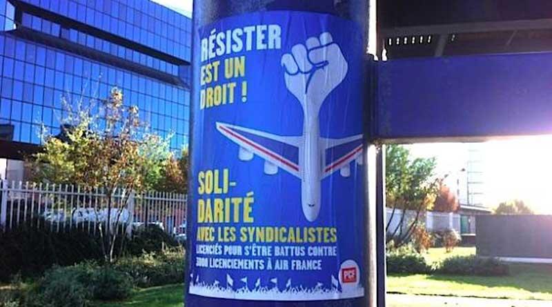 Affiche du syndicat CGT lors de la manifestation de soutien aux salariés d'Air France le 27 septembre 2016.