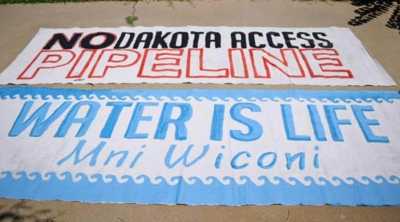 Non au pipeline Dakota Access ! L'eau, c'est la vie !