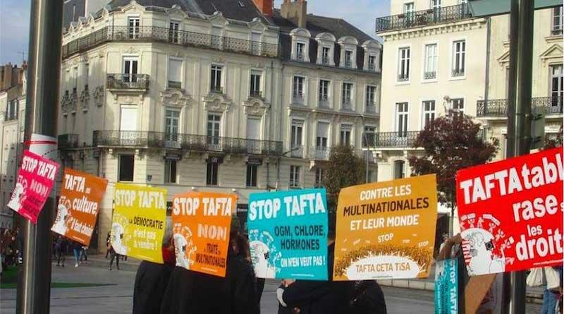 Manifestation contre le CETA à Amiens
