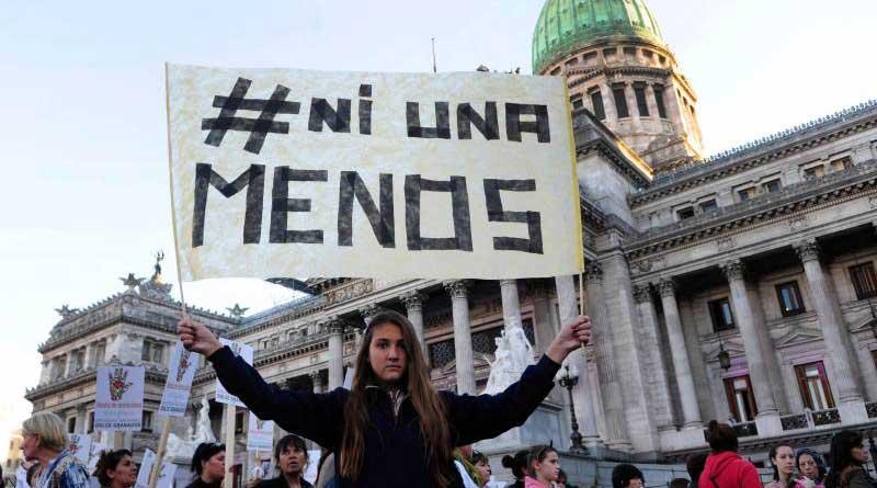 #NiUnaMenos - Manifestations monstres en Argentine contre le féminicide et l'austérité