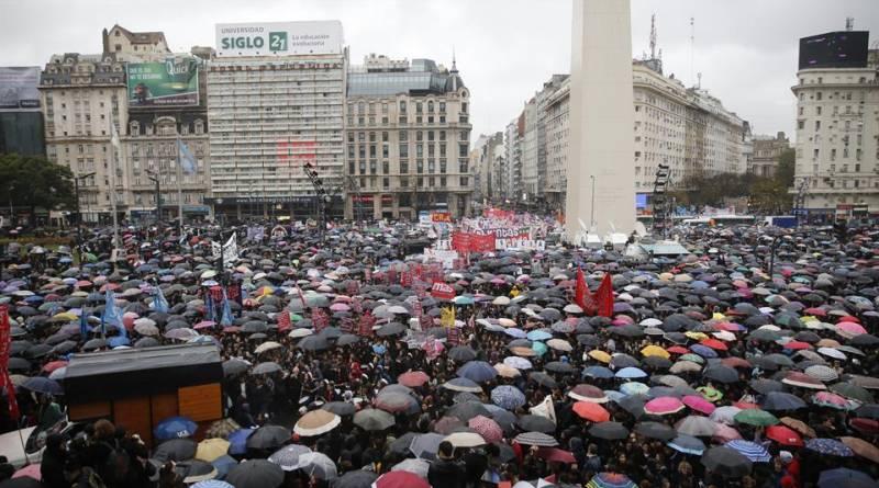 Rassemblement à Buenos Aires contre le féminicide