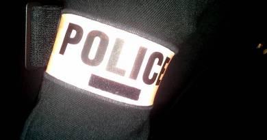 Police Debout #2 : les menottes tremblent!
