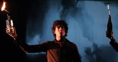 Théâtre : « Les Ennemis Publics » ou la révolte fulgurante